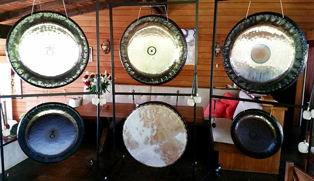 All gongs and drum in play